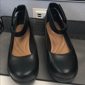 Clarks Artisan leather wedges Velcro 7 1/2 black
